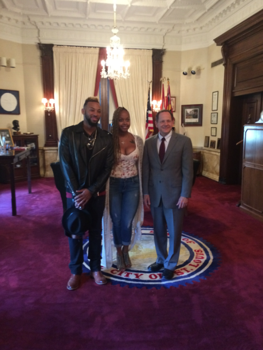 Chrisette Michelle at the St. Louis Mayor's office